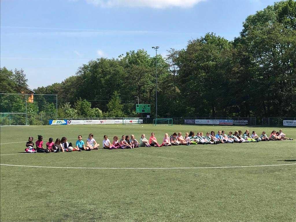 Vriendinnendag Amstelveen Heemraad voetbal meisjes MO9 en MO11